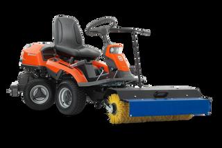 Rider 300 with broom and sprayguard